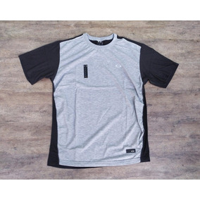 Camiseta Oakley Gear Dry - Logo Refletivo Especial 4ec0b5e3660