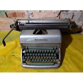 Máquina De Escrever Remington Antiga