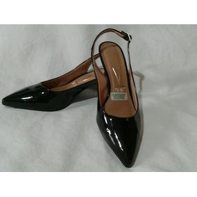 2890fbda029 Sapatos Usados Para Brecho - Calçados
