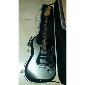 Guitarra Fender Stratocaster + Ampli Fender + Pedalera Zoom