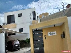 Best House Vende Exclusiva Quinta Urbanizacion La Lagunita