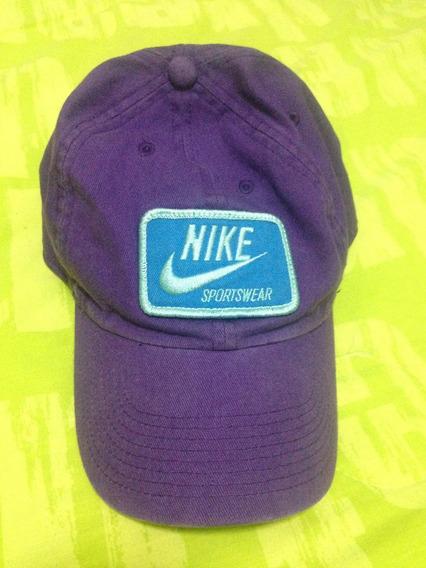Gorra Nike Sportswear Morada