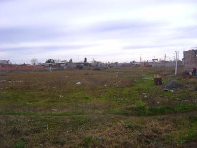 Vendo Terreno De 10 X 50 Mts.en Barrio Villa Laura