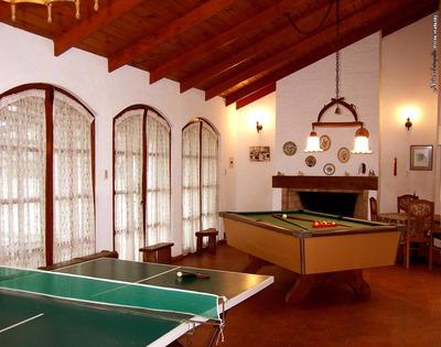 Hermosa Casa Con Sala De Juegos En Santa Teresita