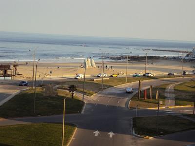 Frente Playa Brava Y Los Dedos- -4 Cuadras Hotel Conrad-