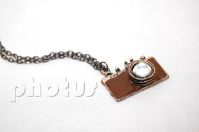 Grande Colar Resinado Prata Câmera Fotográfica - Marrom