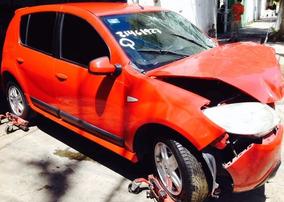 Renault Sandero Chocado Partes Refacciones Autopartes Piezas