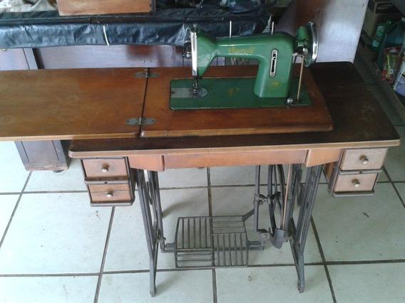 Maquina De Costura Super Antiga Funcionand (only Wood)
