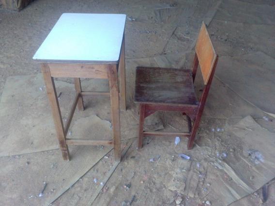 Carteira Escolar Antiga Com Cadeira Madeira De Lei (ap_)