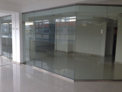 Locales De Oficina En Piantini En Plaza Comercial Nueva