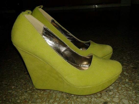 Zapatos / Tacones Corridos, Verde Fluorescente. Talla 38.