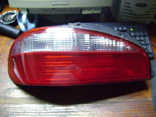 Vendo Lampara Trasera Izquierda De Kia Claurus Año 1998