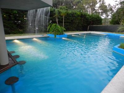 Oportunidad! Casa Con Gran Jardín Y Piscina! Desde Usd 170!