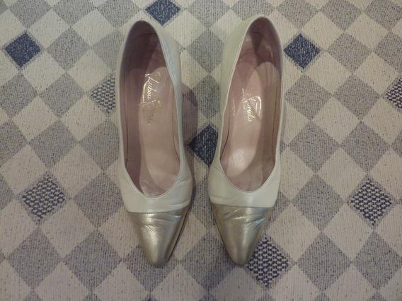 Zapatos Muy Finos De Cuero Color Crema Con Puntera Dorada