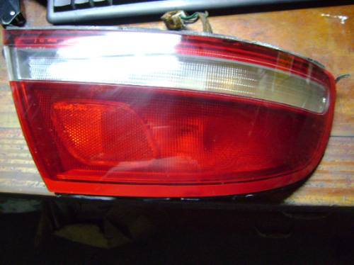 Imagen 1 de 2 de Vendo Lampara Trasera De Mazda 929 Izquierda,año 1993