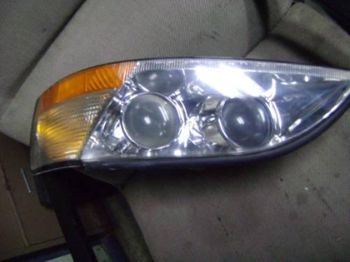 Imagen 1 de 2 de Vendo Lampara Delantera Izquierda De Lexus Es300.