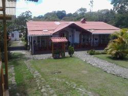 Chalet En Circacia Casa P.pal + 2 Cabañas