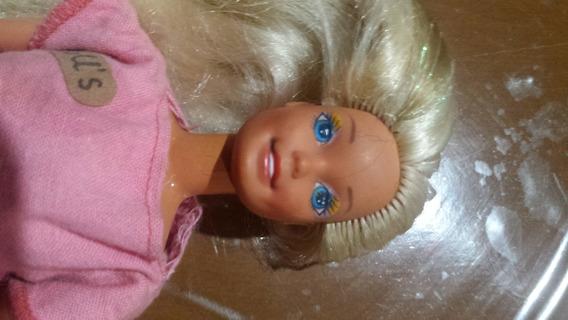 Boneca Barbie Antiga. Dolls