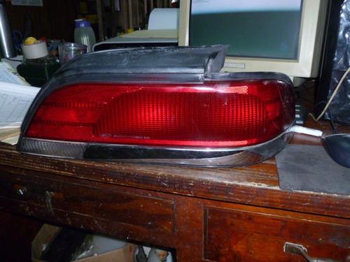 Vendo Lampara Trasera Derecha De Ford Crown Victoria, 1993