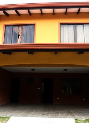 Increíble Oportunidad!! Casa En Venta-como Nueva!! Aprovech