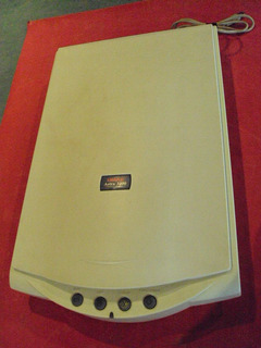 Scanner Umax /astra 3400 - 42 Bit - 600 X 1200- A Reparar.-
