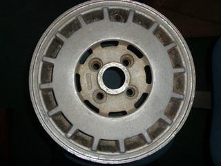 Vendo Rin De Nissan Sentra, # 13, En Aluminio, 4 Huecos
