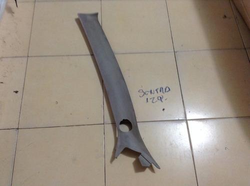 Plastico De Poste Delantero Izquierdo Sentra Mod: 00-05 Oem