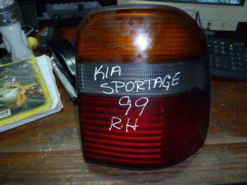 Imagen 1 de 2 de Vendo Lampara  Trasera Derecha De Kia Sportage Año 1999