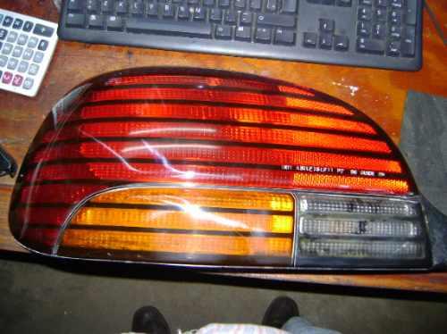 Imagen 1 de 2 de Vendo Lampara Trasera De Pontiac Gram Am  Izq.