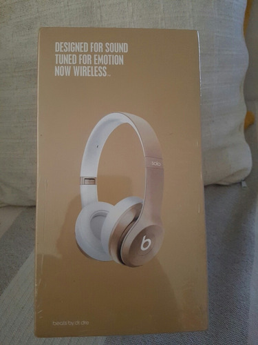 Beats Solo 2 Special Edition Gold