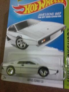 Hot Wheels James Bond Lotus Espirit S1, Novo
