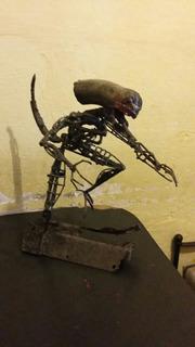 Aliens Arte Chatarra Eescultura
