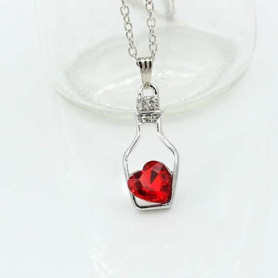 Colar Com Pingente - Garrafinha + Coração - Vermelho