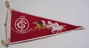 Flâmula Antiga Futebol Sport Club Internacional Com Cavalos