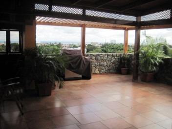 Penthouse En Honduras De 4 Habitaciones Y Terraza