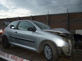 Peugeot Mod. 2006 Version 206 Accidentado........