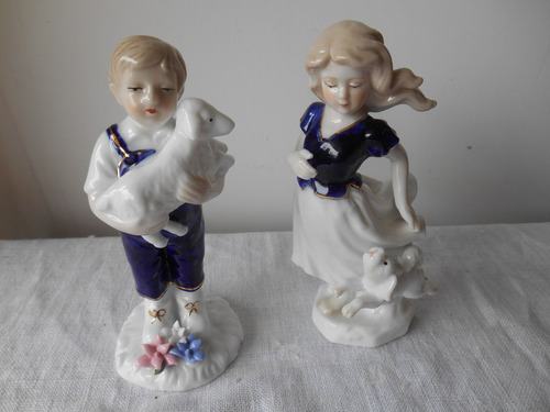 Figura En Porcelana Alemana - Niño