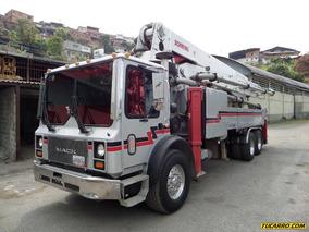 Mack Mr688s 2005
