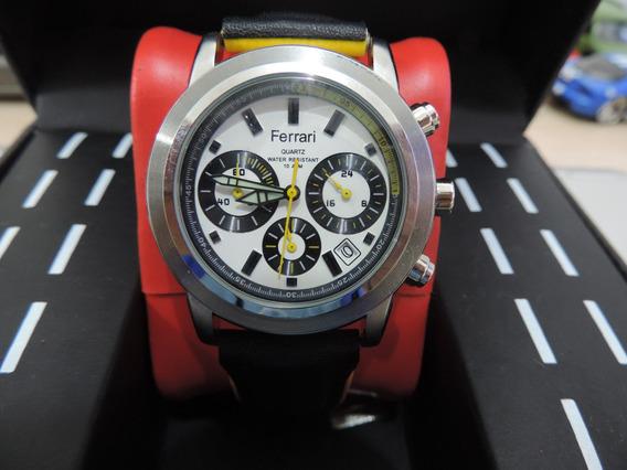 Relógio Ferrari Quartz Com Pulseira De Couro Preta E Amarela