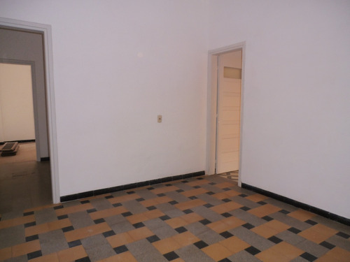Ref 1058, Amplio Apto 2 Dormitorios, Centro A Mts De Rambla