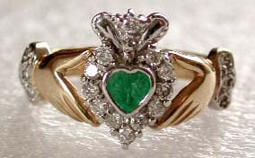 Anillo Celta Oro 10 K Claddagh Irlandes Esmeralda Sama468