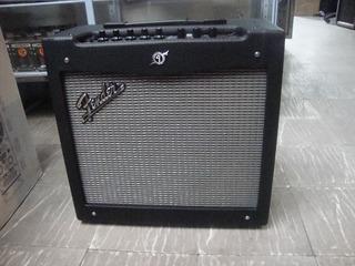 Amplificador Para Guitarra Fender Mustang Ii De 40w Original