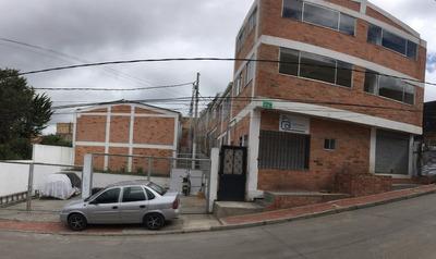 Casas En Juan Rey · Conjunto Cerrado
