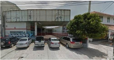 ¡rento Espectacular Local Comercial En Cancún! Tiene Una Ubicación Privilegiada Y Además Con 12 Lugares De Estacionamiento, Si Todo Lo Anterior No Fuera Suficiente También Tiene Un Área Para Oficinas