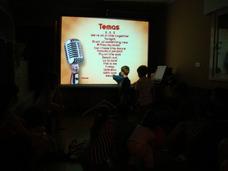 Alquiler De Karaoke $900 Sonido 2 Mic Pisas / Proyector Luce