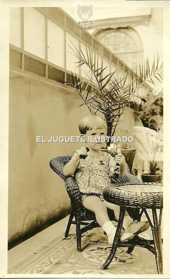 Antigua Foto Niño Con Telefono Patio C1920 Moda Infantil