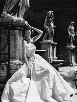 Evening Gown, Coliseo, Roma 1952 - Lamina De 40 X 30 Cm
