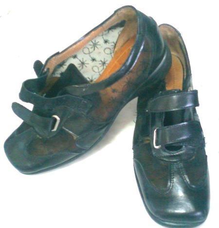 Zapato Negro Con Tejido Transparente- Cuero Nº 35.5