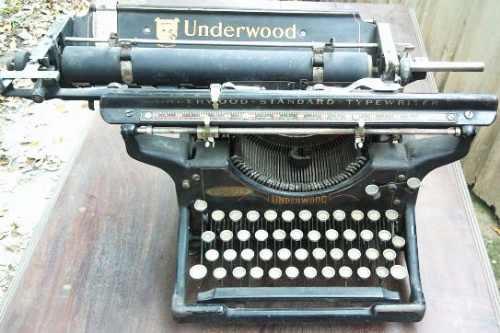 Antigua Maquina De Escribir Made In Usa Estilofunes