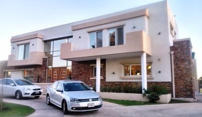 Casa 5 Ambientes En Alquiler En El Barrio Arenas Del Sur